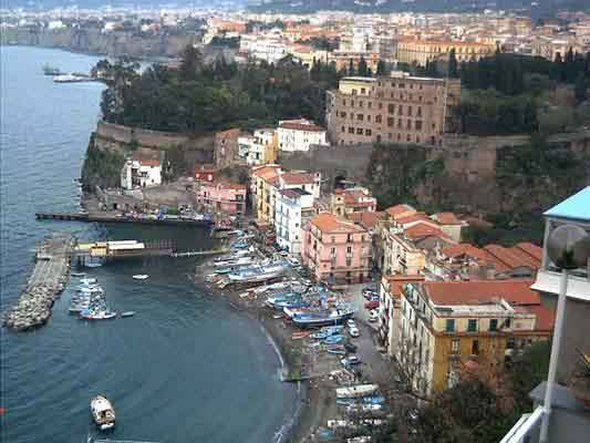 sorrento.jpg (16096 byte)
